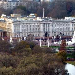 02-Buckingham-Palace-P1010172