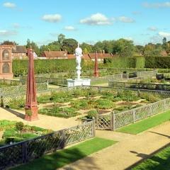 Elizabethan-Garden-5494
