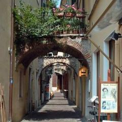 G-055_Garda_Alley
