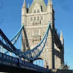 08-Tower-Bridge-P1010872